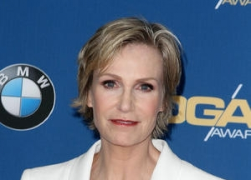 Jane Lynch Reaches Out To Fans After Tv Show Cancellation