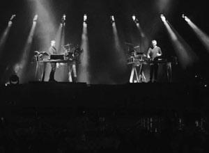 Disclosure - Holding On ft. Gregory Porter [Live] Video