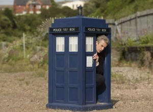 Steven Moffat Claims He Would Beat Peter Capaldi In A 'Doctor Who' Quiz