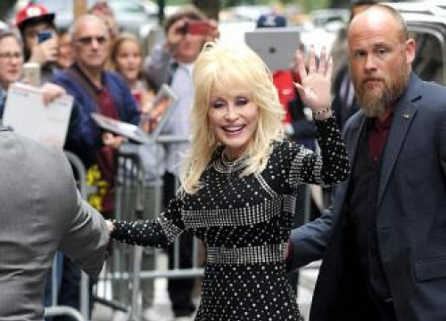 Dolly Parton To Launch New Song For UK Version Of 9 To 5 Musical