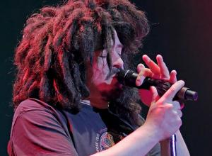 Counting Crows Frontman Explains His Peculiar Dreadlocks