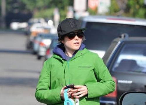 Ellen Page Dating Artist Samantha Thomas - Report