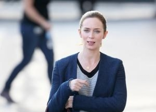 Emily Blunt Dismisses Hollywood Stereotypes About Warring Actresses