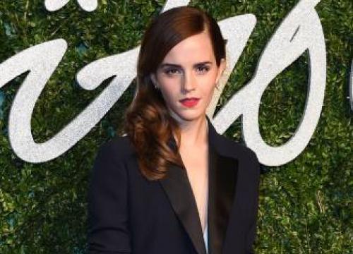 Emma Watson Avoids Social Media To Stay Sane