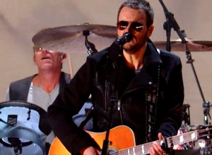 Eric Church - Give Me Back My Hometown (Live GRAMMYs 2015) Video