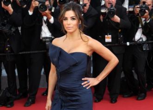 Eva Longoria Doesn't Think About Cosmetic Surgery