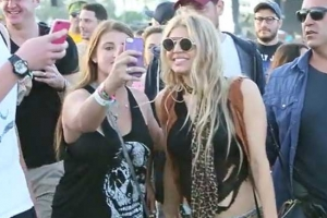 Fergie Enjoys A Fan Moment At Coachella 2015
