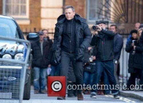 Daniel Craig Calls For An End To Black Bond Debate