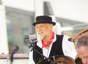 On With The Show? Maybe Not! Fleetwood Mac Cut Short Nebraska Show As Mick Falls Ill