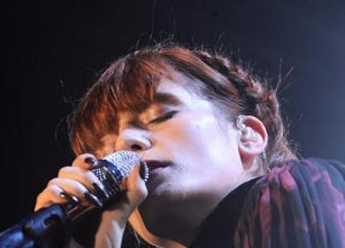 Florence + The Machine Cap Glastonbury Triumph With Number One Album