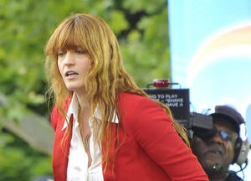 Florence Welch Contemplating Glastonbury Healing Ceremony For Dave Grohl