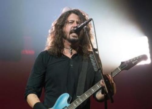 Rick Astley And Foo Fighters Prank Japan Crowd