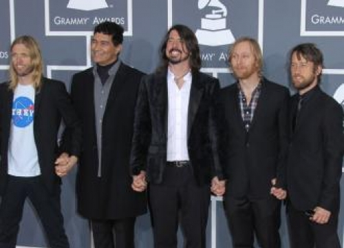Foo Fighters returning to stage