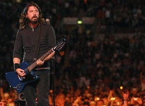 Foo Fighters Confirmed for Glastonbury 2015, Adele in Talks