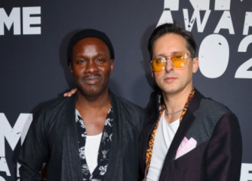 The Libertines' Gary Powell Recalls Being Naked In Front Of Dave Grohl On A Ferry