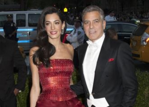 George Clooney stocks pub with own tequila