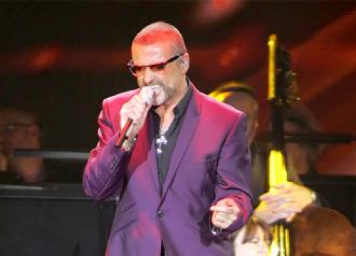 George Michael Fans At Loggerheads With Snappy Snaps