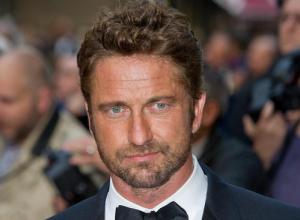 Gerard Butler Says Jennifer Aniston Is A Better Kisser Than Angelina Jolie