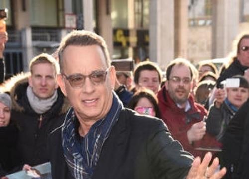 Tom Hanks Approves Of Gender-bending Splash Remake