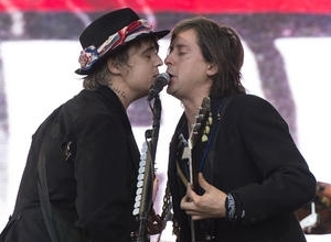The Libertines Play Secret Set Of Old And New Material On Glastonbury's Pyramid Stage