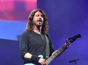 Foo Fighters Show Their Support For Female Artists