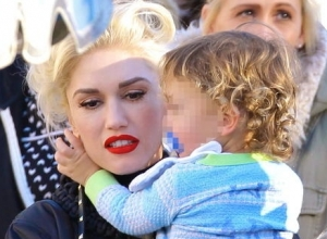 Gwen Stefani Takes Family, And Blake Shelton, To Anaheim Childhood Home - And Disneyland!