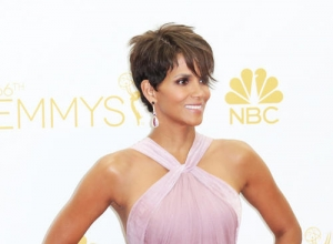 "Halle Berry Opens Up About The ""Heartbreaking"" Domestic Abuse In Her Childhood Home"