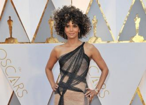 Halle Berry Asks Fans To Help An Elderly Shop Owner After His Business Burned Down
