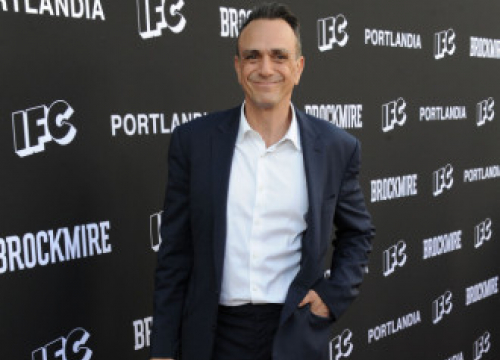 Hank Azaria To Star In Thriller Out Of The Blue