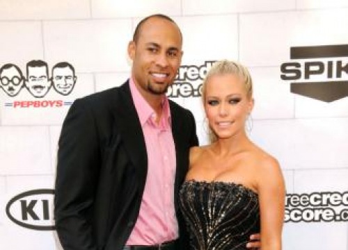 Kendra Wilkinson Reveals Passion For Sex In Her Gym