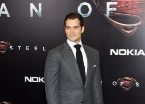 Henry Cavill Hints At Man Of Steel Sequel