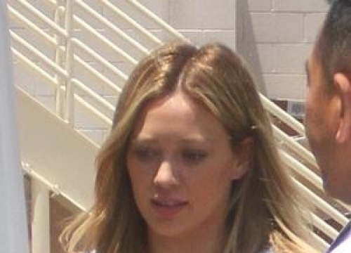 Hilary Duff Gives Up Online Dating