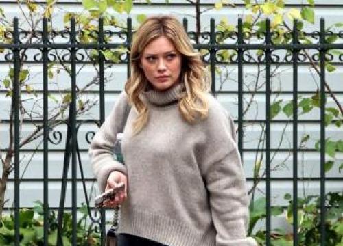 Hilary Duff praises 'natural mom' Haylie Duff