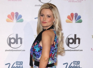 Holly Madison Reveals Dark Side Of Life At The Playboy Mansion In Memoir 'Down The Rabbit Hole'