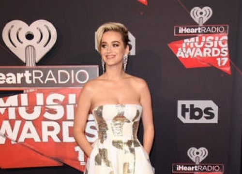 Katy Perry Pays Tribute To Teenage Superfan Who Died In Car Crash
