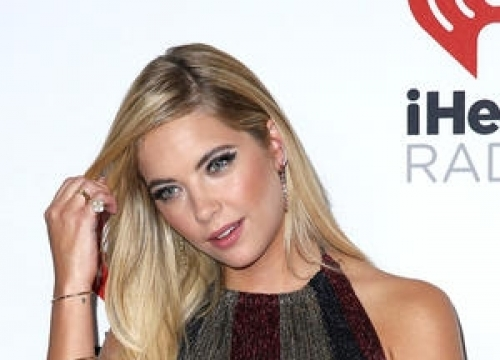 Ashley Benson Apologises Over Cecil The Lion Costume