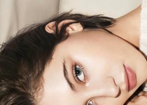 Iris Law Fronts Burberry Beauty's New Make-up Campaign