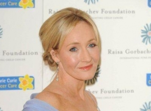JK Rowling Reveals Plans For FOUR More 'Fantastic Beasts...' Movies