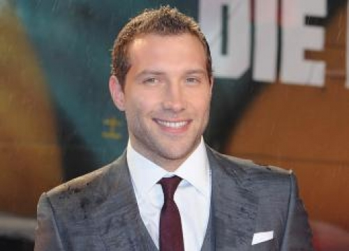 Jai Courtney's Boomerang Boot Camp