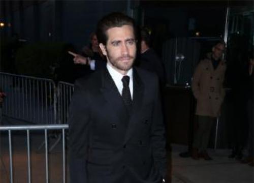 Jake Gyllenhaal Is 'Super Into' Tom Holland's Spider-man