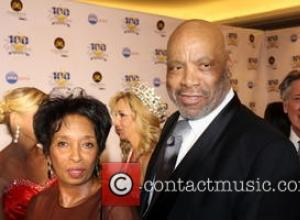 Janet Hubert Pays Tribute To James Avery