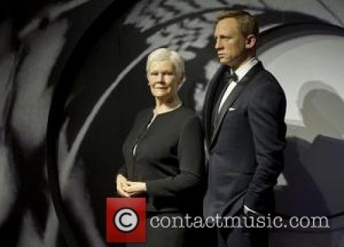 Daniel Craig Earned $5 Million To Hold Sony Phone