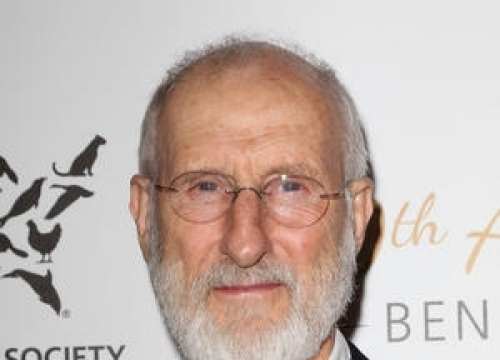 James Cromwell Joins Animal Rights Demonstration Outside Courthouse