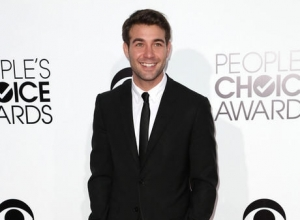 Actor James Wolk Marries