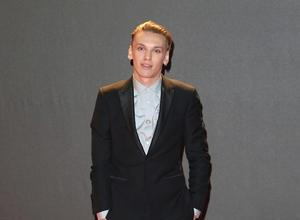 Jamie Campbell Bower Injures Eye With Face Scrub