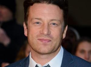 "Jamie Oliver Regrets Calling Gordon Ramsay ""Jealous"""