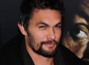 Jason Momoa Looks Awesome as Aquaman in 'Batman v Superman: Dawn of Justice'