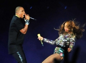Jay Z, Beyonce And Other Pop Stars Sue Paris Clothing Retailer