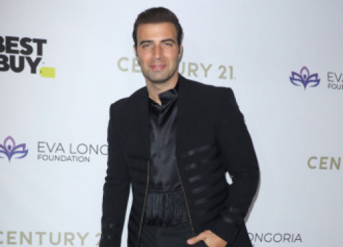 Jencarlos Canela To Star In Man From Toronto