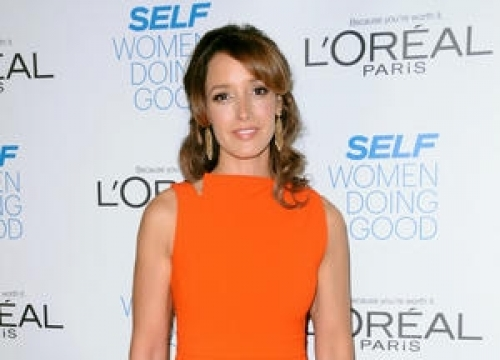 Jennifer Beals Responds To Critics Accusing Her Of Leaving Her Dog In A Hot Car